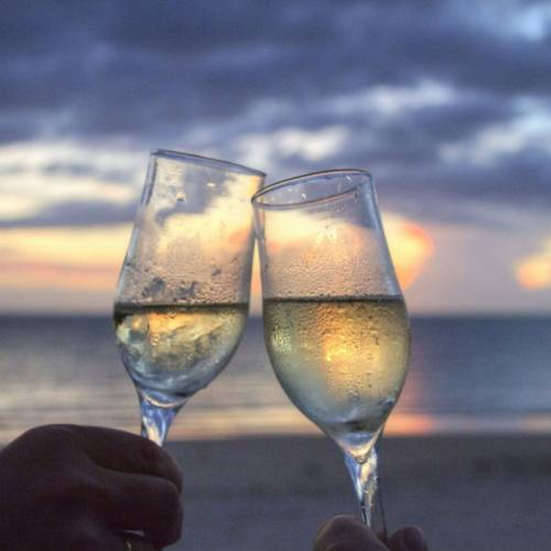 Sparkling wine needs a Flute Glass