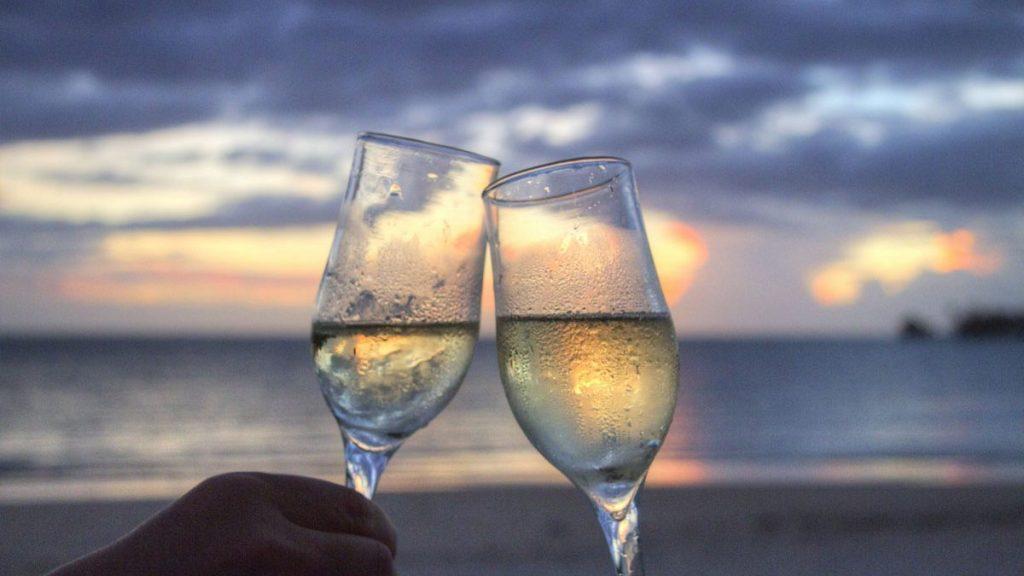 Sparkling wine needs a Flute Glass
